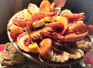 Plateau de fruits de mer du bar à huîtres Le Cabanon Toulouse by La Cabane